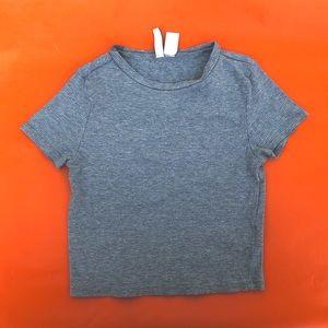 Grey cropped shirt